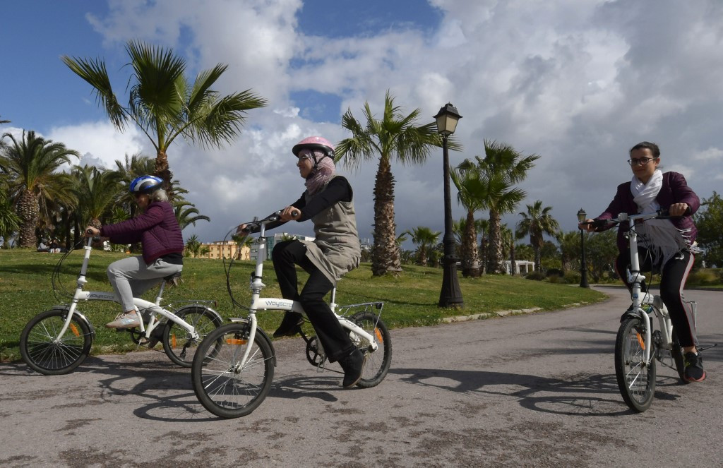 Tunisia women cyclists challenge gender norms