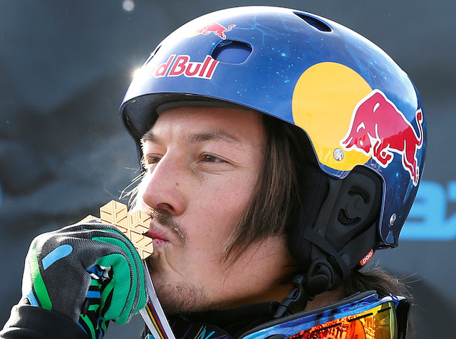 Snowboard world champion Alex Pullin drowns while diving