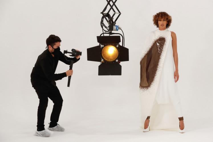 Video won't kill the catwalk, say critics of first digital fashion week