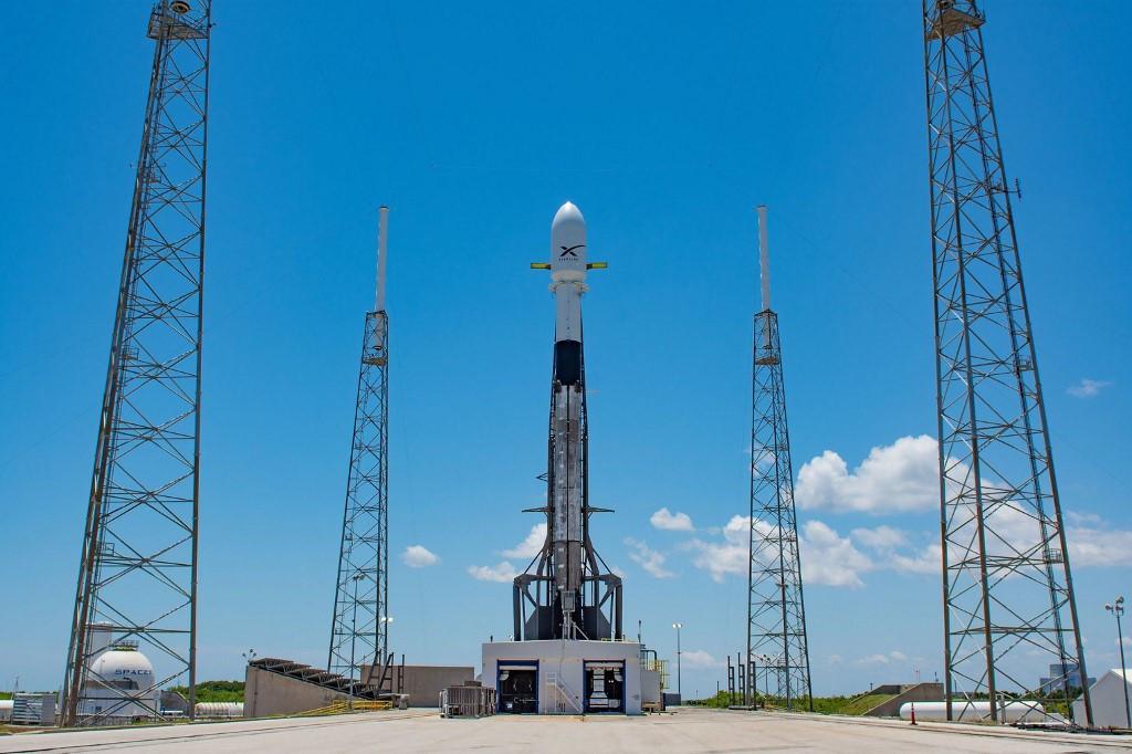 SpaceX delays launch of mini-satellites - The Jakarta Post - Jakarta Post