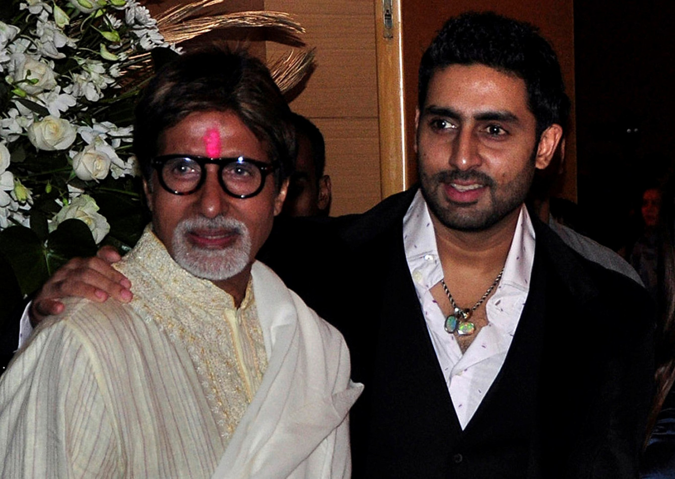 Indian film star Amitabh Bachchan, son in stable condition: Health officials