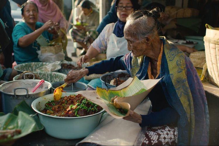 Yogyakarta's century-old 'gudeg' seller Mbah Lindu passes away