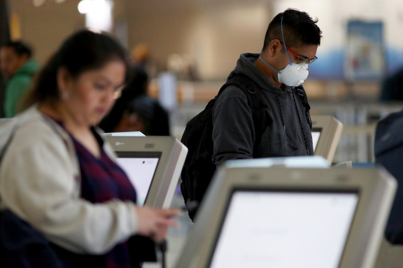 Airlines ask EU, White House to adopt COVID-19 testing program for passengers