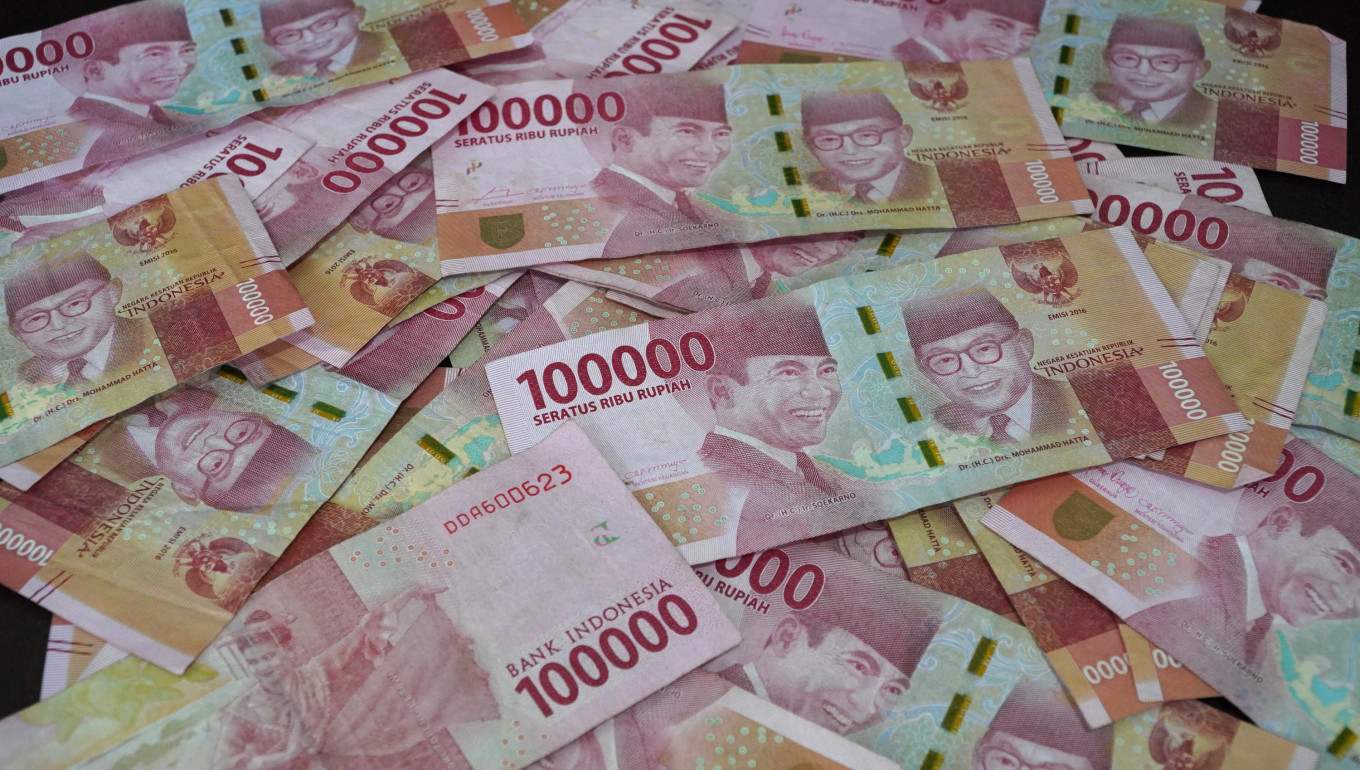 Indonesia's foreign debt rises in May as foreign investors make comeback