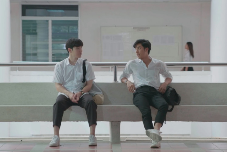 Kao (left, played by Thitipoom Techaapaikhun) and Pete (played by Tawan Vihokratana) in 'Dark Blue Kiss'. Alongside acceptance, the series also highlights issues of uncertainty and honesty in a relationship.