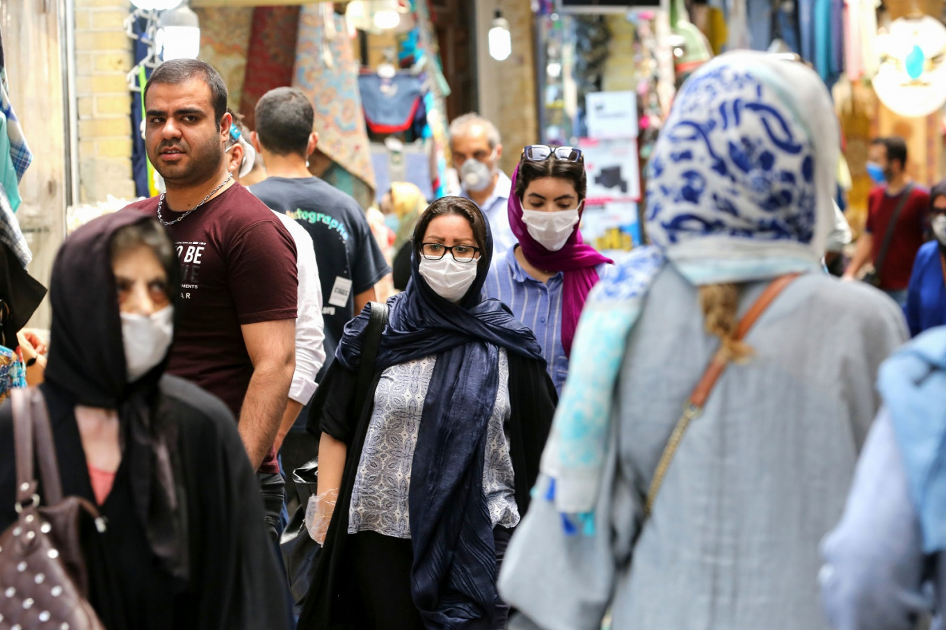 Iran reports highest virus cases for nearly a month