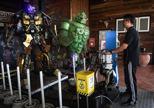 Thai metal workshop dazzles tourists with movie-inspired creations