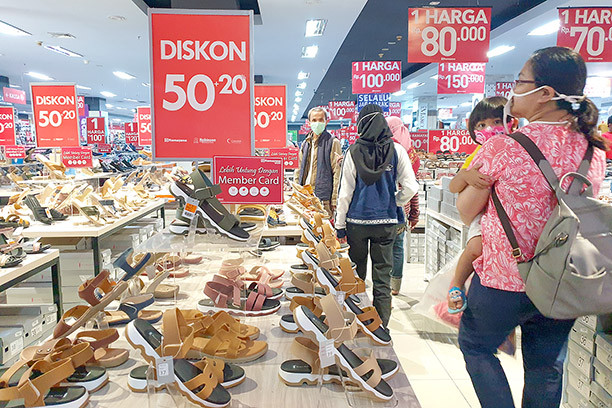 Retail recovery depends on people's purchasing power: Analysts