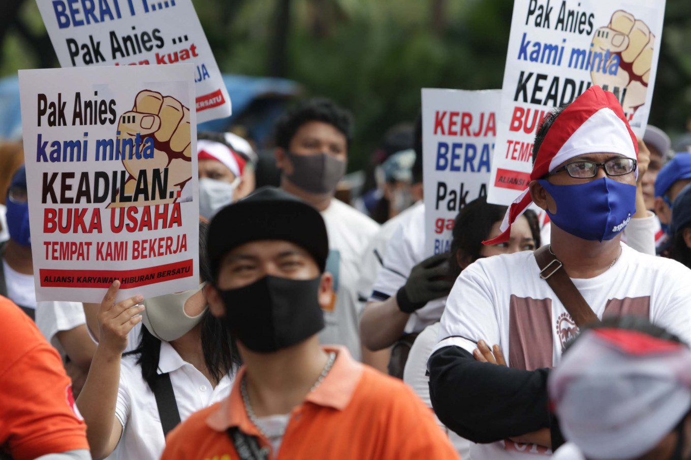 Association stages rally to demand Jakarta administration allow entertainment venues to reopen