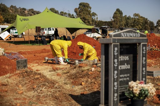 'A nightmare': Virus upsets South African funeral rites