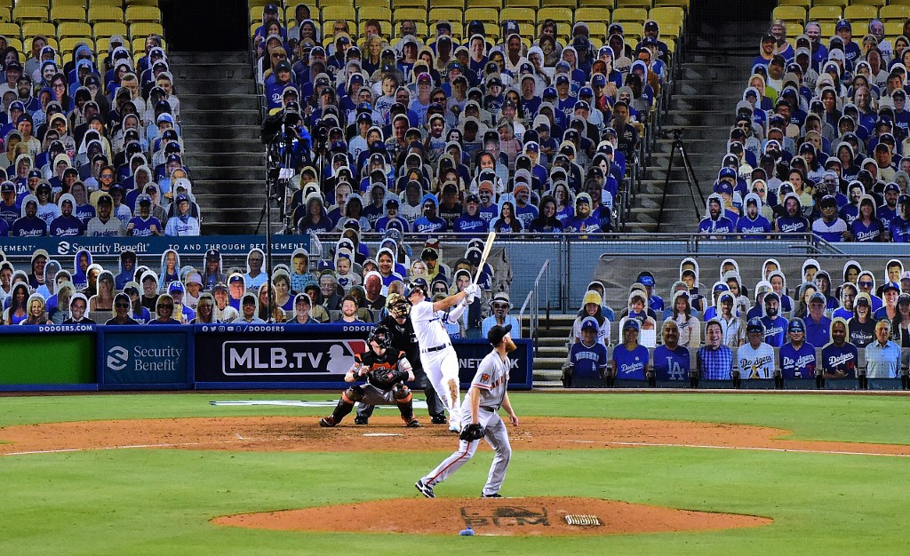 Giants aim to rebound after Dodgers' opening rout
