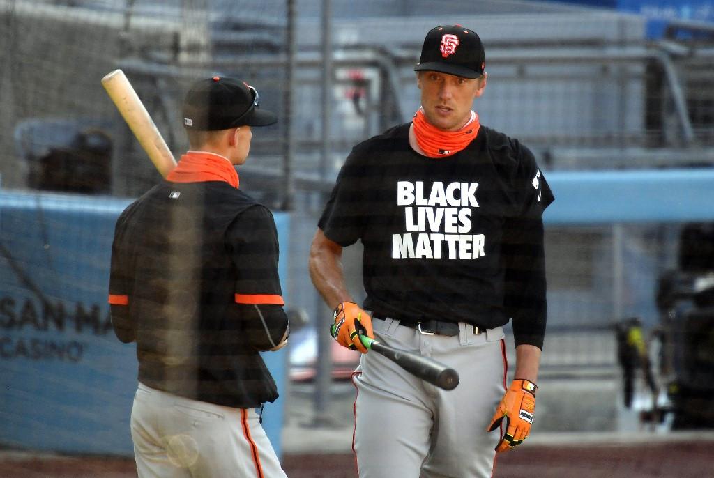 Players take knee as US baseball season opens