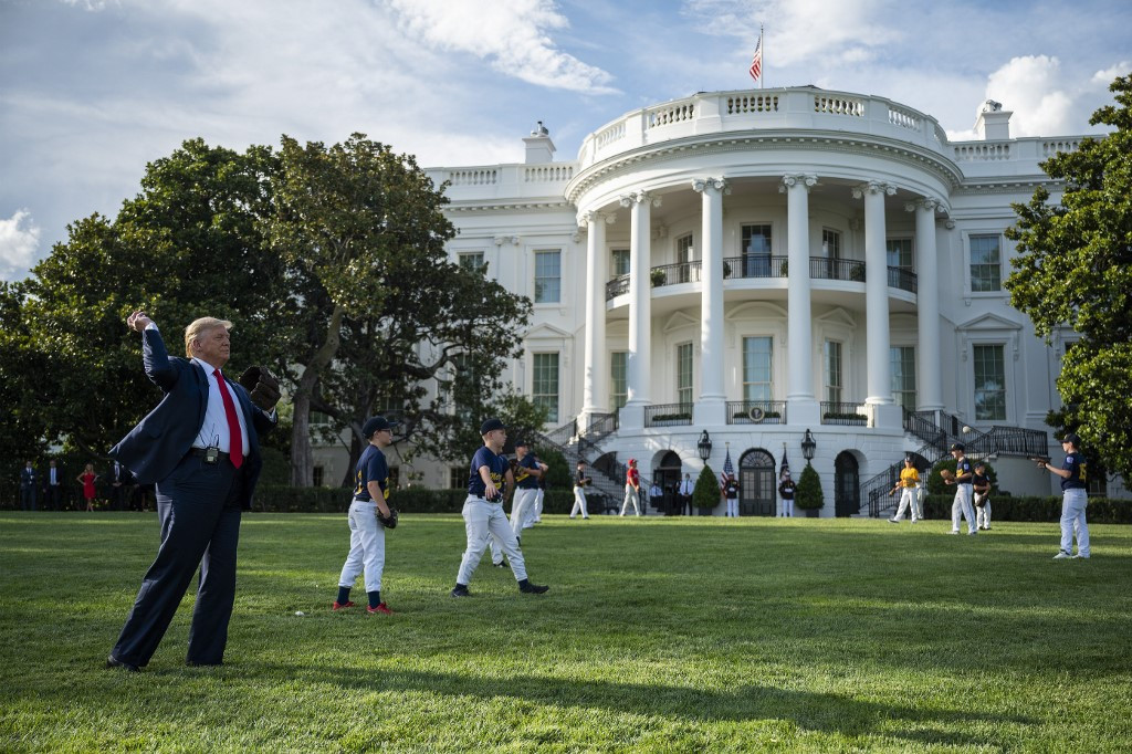 Trump says he won't throw out first pitch after all