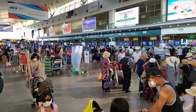 Vietnam to evacuate 80,000 people from Danang after virus outbreak