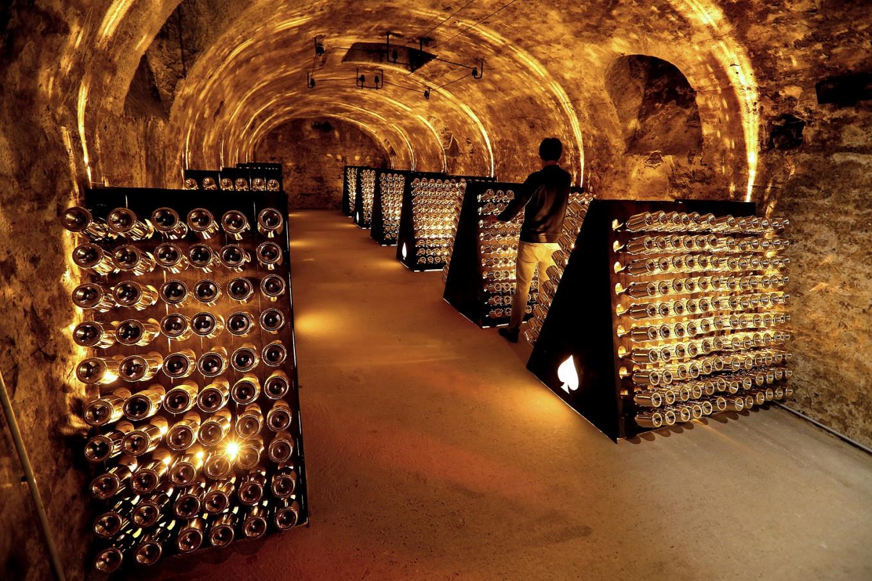 Virus sparks bitter rift in France's champagne industry
