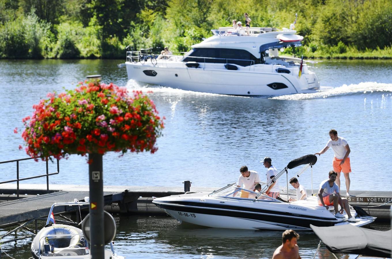 Health warnings as Western Europe swelters under heatwave