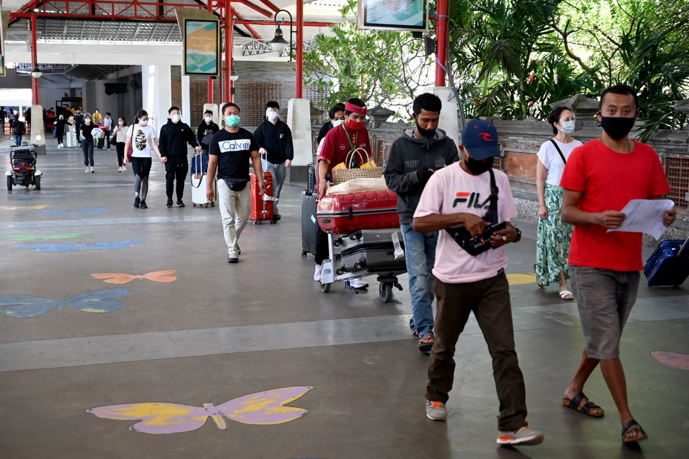 Estimated 4,000 passengers arrived in Bali on first reopening day