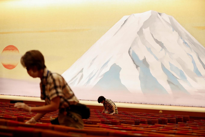Japan's kabuki theater resumes, socially distanced, after coronavirus hiatus