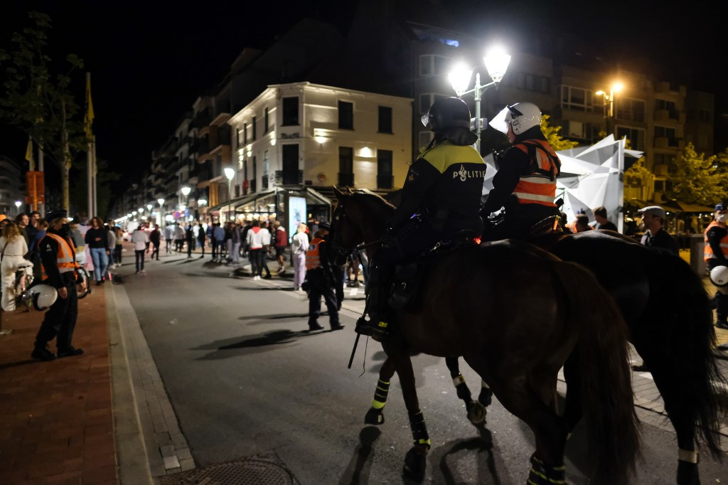 Belgian resorts shut to day trippers after beach fight