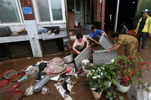 At least 30 dead in South Korea as rain triggers landslides, floods