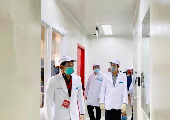 Jokowi forms national team to accelerate vaccine development