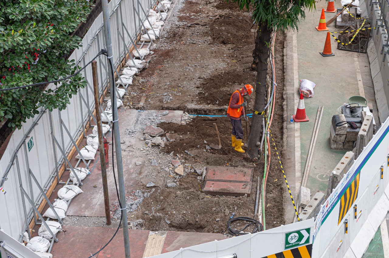MRT Jakarta to chop down 867 trees for phase 2 construction