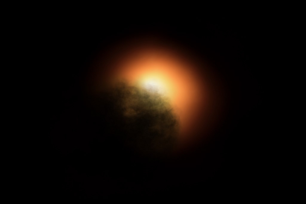 Hubble discovered the cause of mysterious dimming of supergiant star Betelgeuse