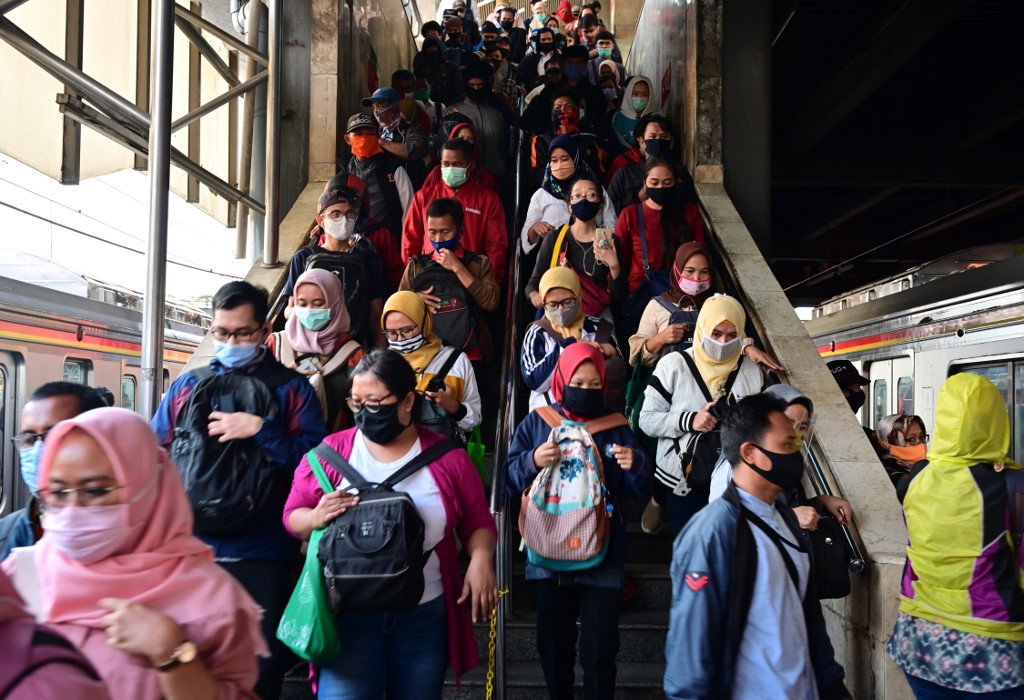 Experts urge Greater Jakarta to improve testing, tracing