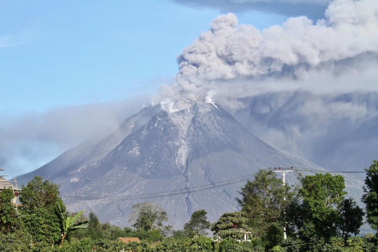 Mt. Sinabung erupts again, spews 2,000-meter-high volcanic ash clouds