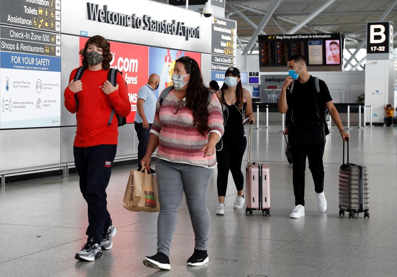 Travelers to France from UK must self-certify no coronavirus symptoms