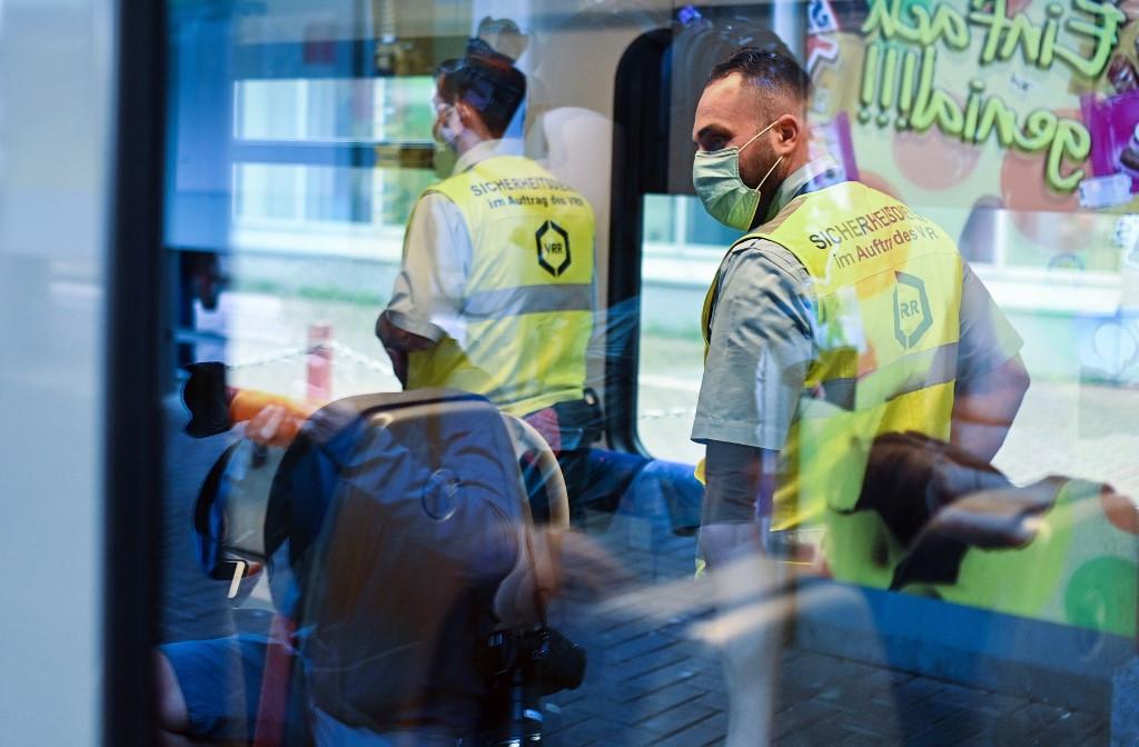 Germany issues coronavirus warnings for Belgium, much of France