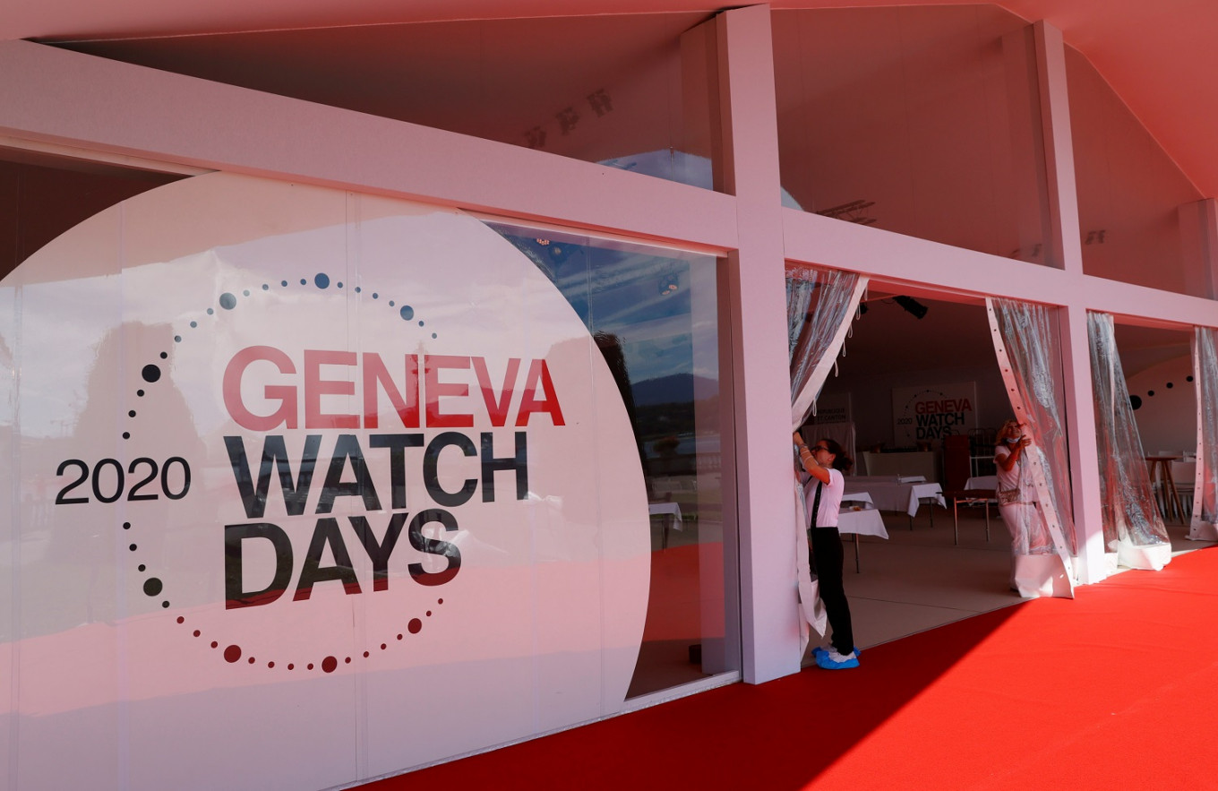 Watchmakers meet in Geneva to try to nurture recovery