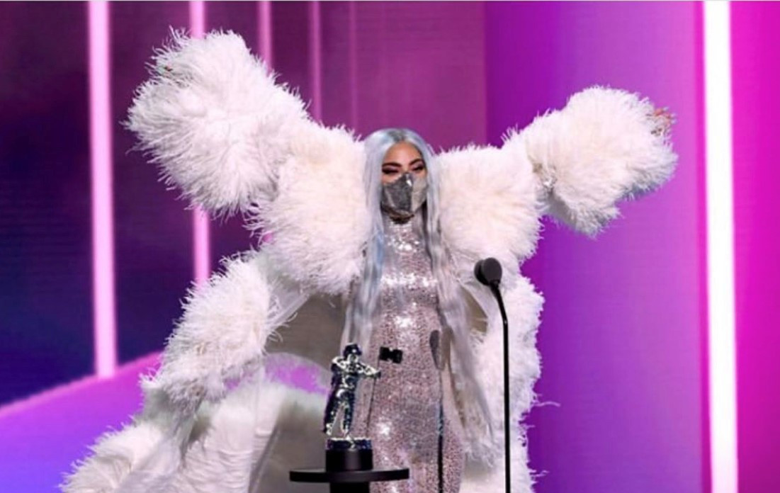 Lady Gaga Wears Mask By Indonesian Label Maison Met For Vmas Entertainment The Jakarta Post