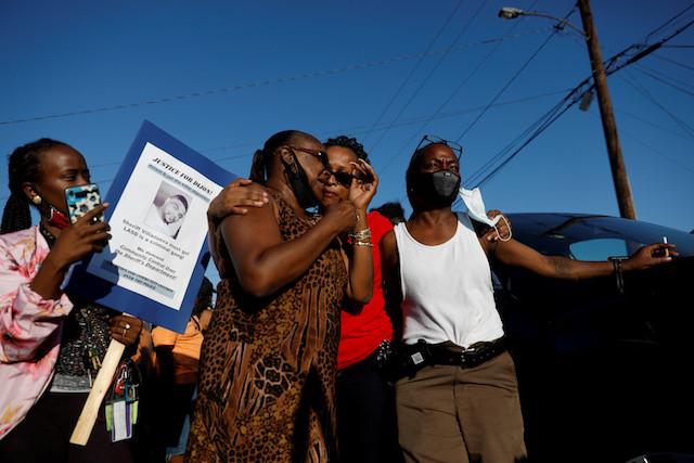 Los Angeles police fatally shoot Black man after suspected bike violation