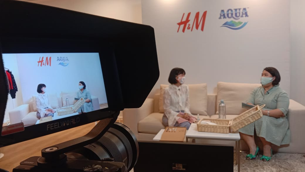 AQUA, H&M expand on bottle2fashion initiative to reduce plastic waste