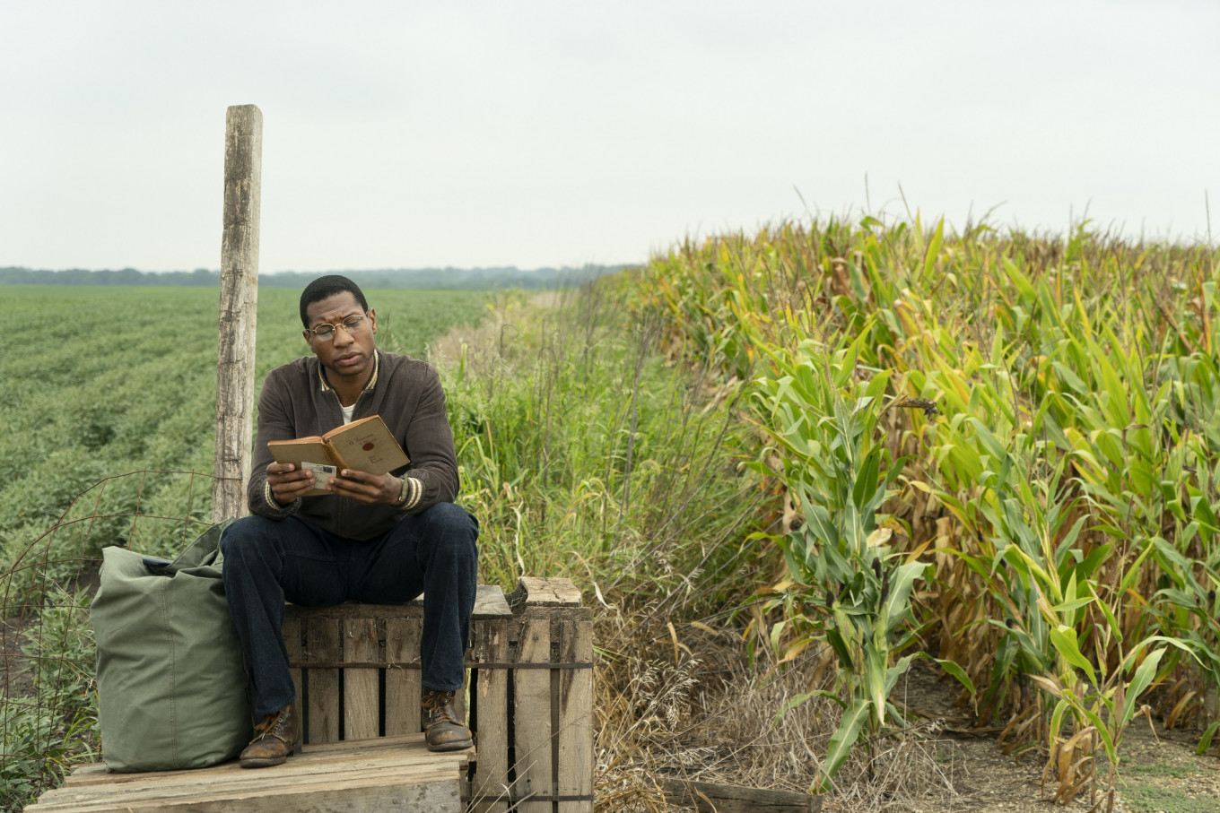 Jonathan Majors balances race, family and otherworldly horror in 'Lovecraft Country'