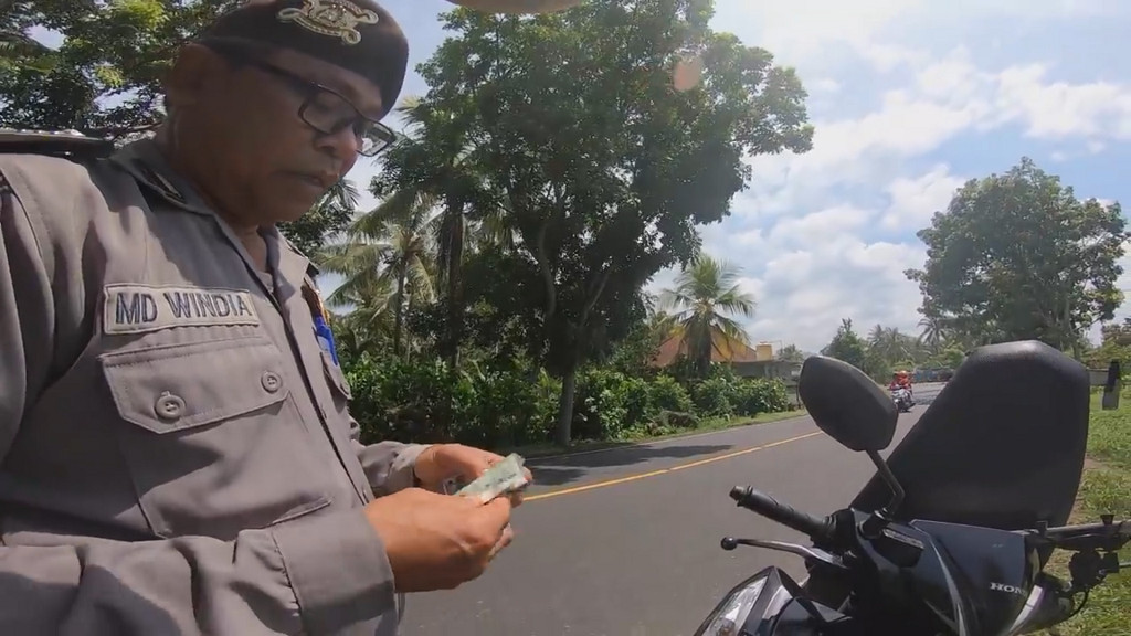 Cops to face disciplinary hearing for extorting Japanese tourist in Bali