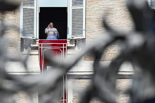 Pope says gossiping is a 'worse plague' than coronavirus