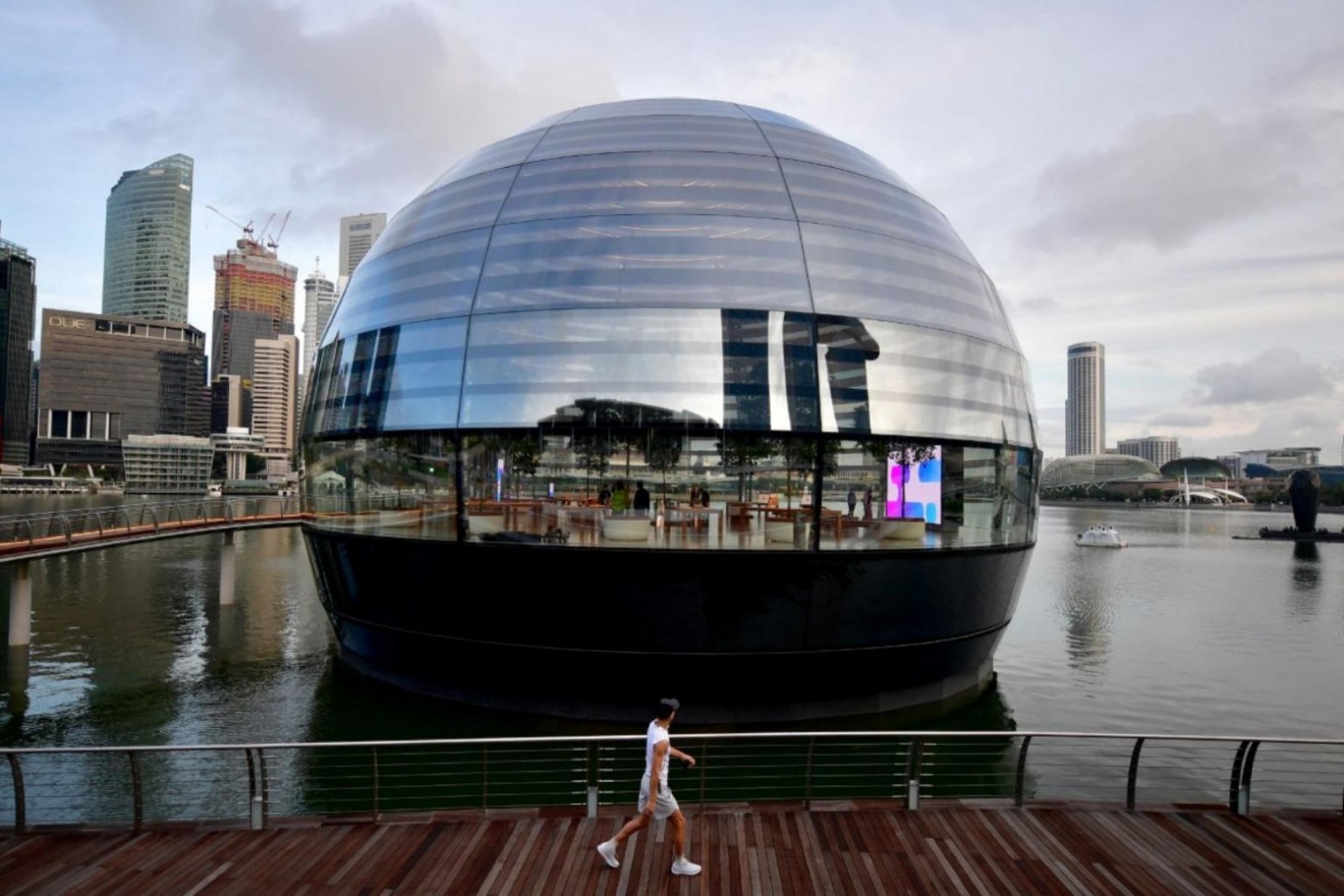 Apple's nearly 40-year journey in Singapore celebrates architecture and design