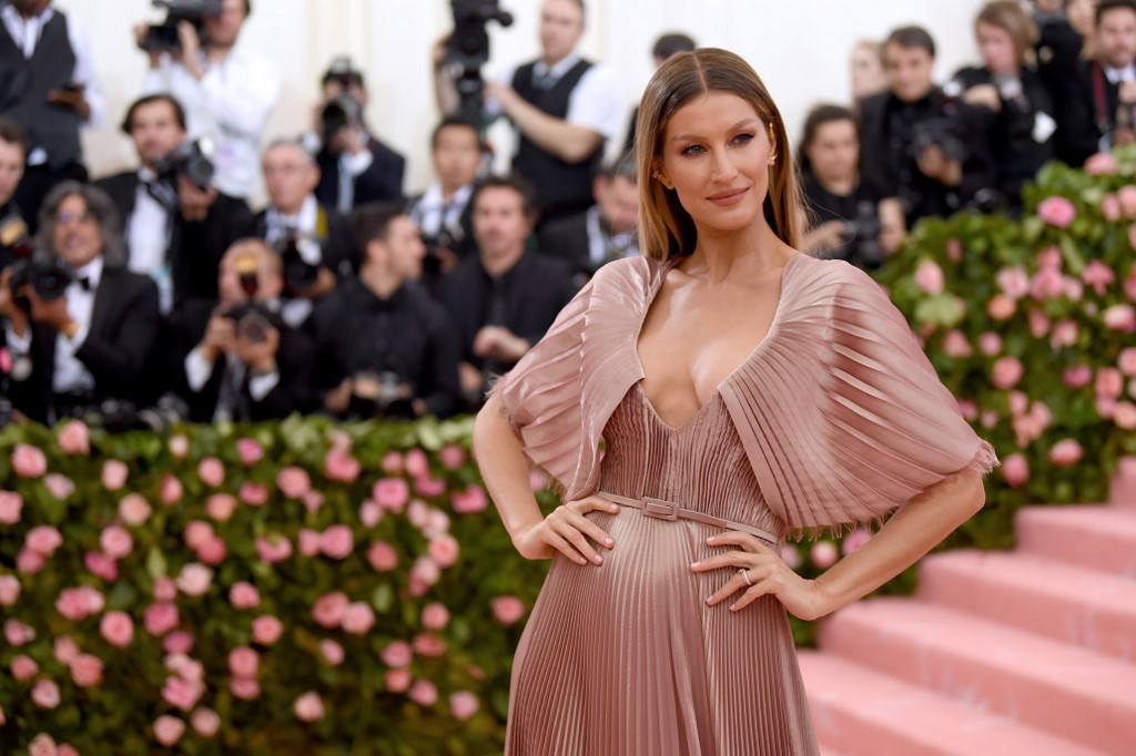 Would you meditate with Gisele Bundchen?