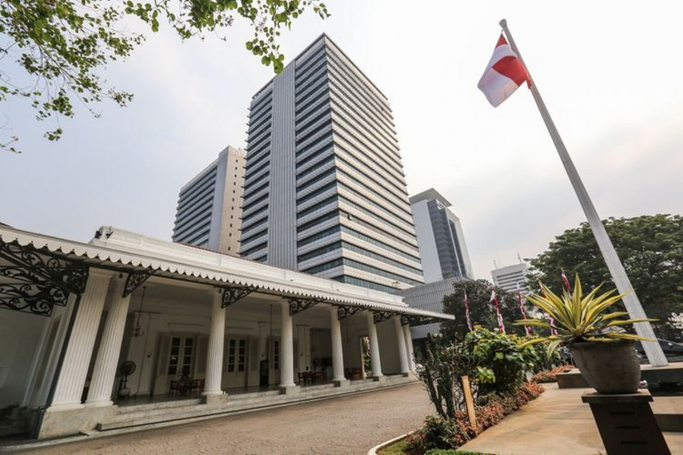 Kelapa Gading district head latest Jakarta official to die of COVID-19