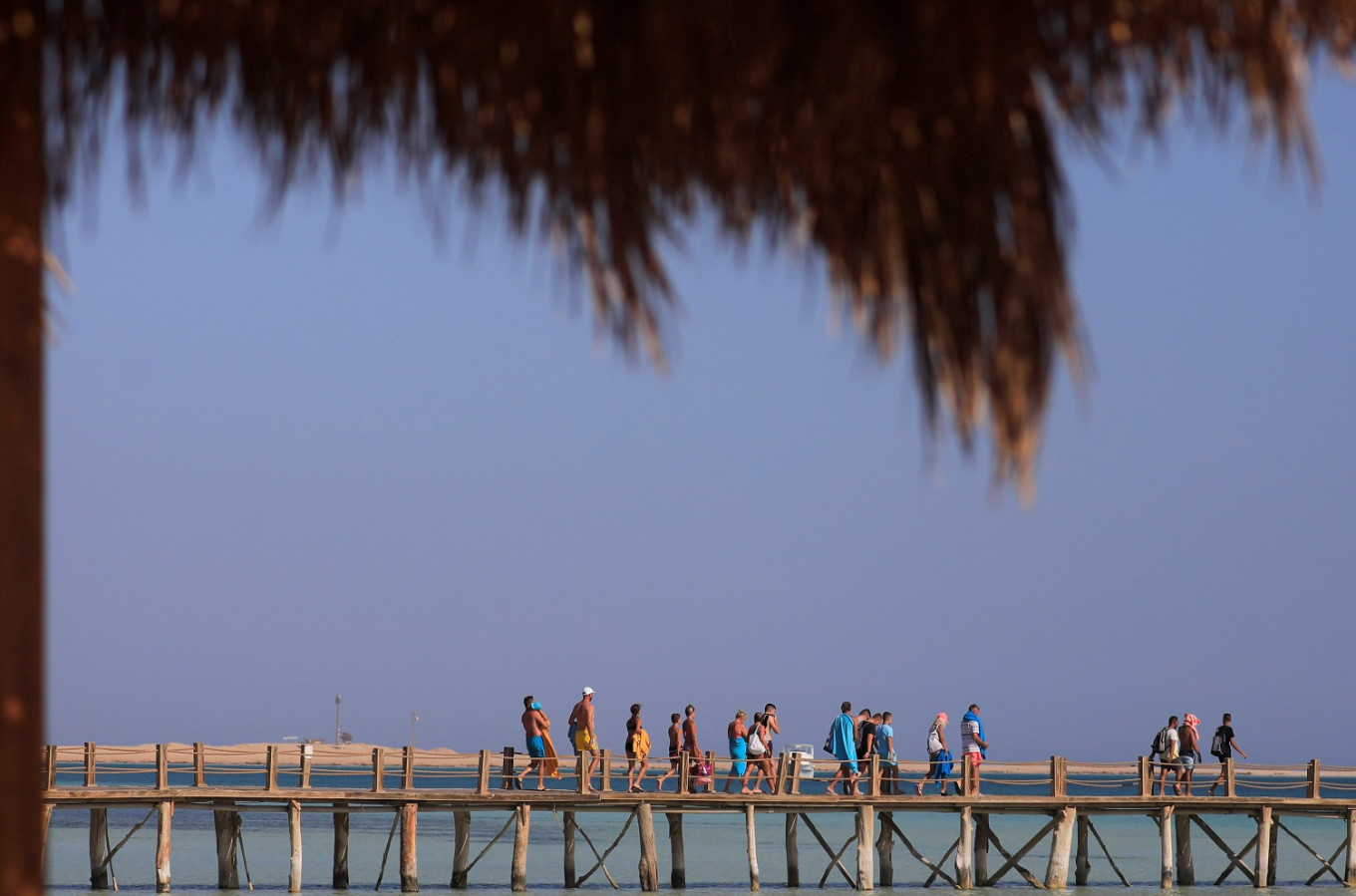 With tourists slow to return, Egypt's resorts and ancient sites face tough winter