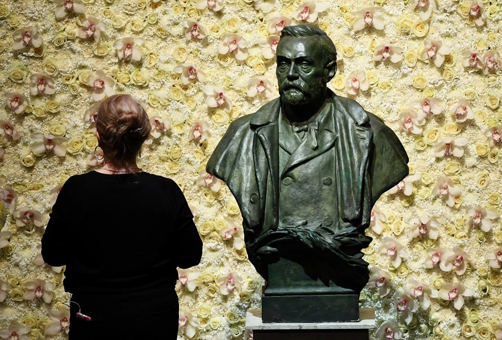 2020 Nobel season opens with medicine prize