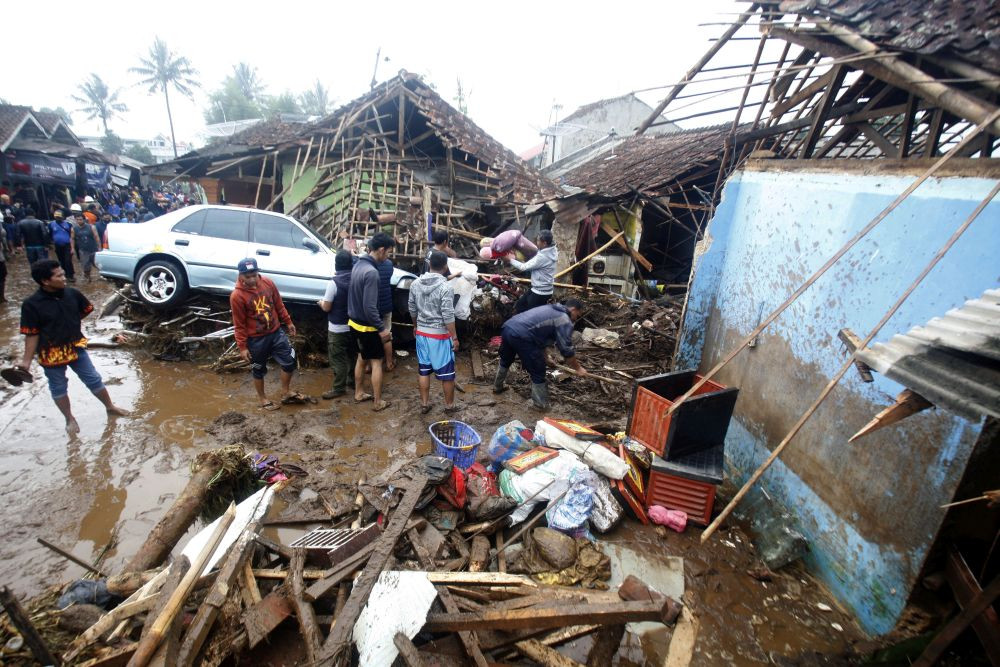 Rescue team finds all three victims killed in Sukabumi flash flood