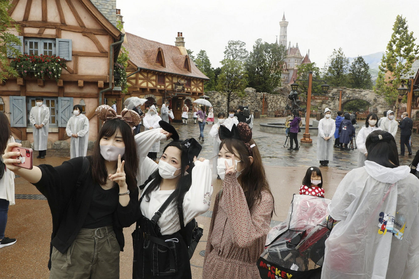 Tokyo Disneyland unveils new 'Beauty and the Beast' area