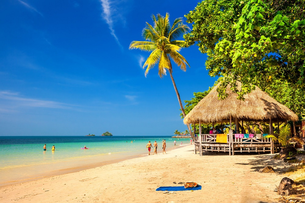 Tourists face prison time for a Thailand hotel trip advisor review