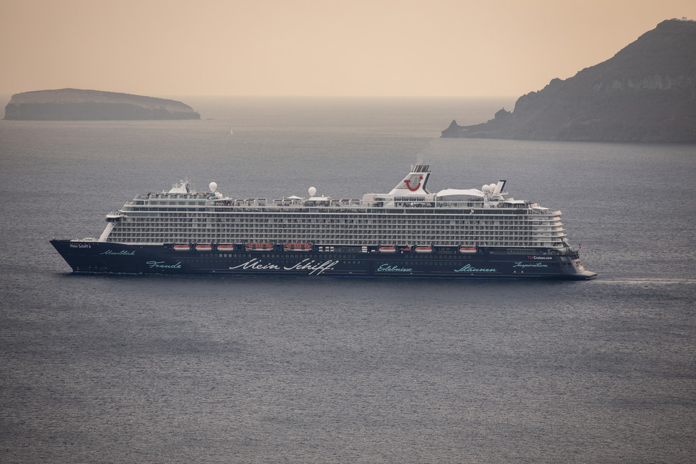 Crew on first post-pandemic Greek cruise contract virus