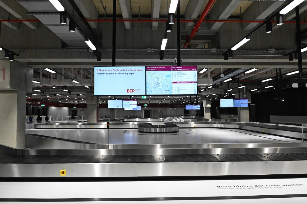 Berlin airport to open after a nine-year delay