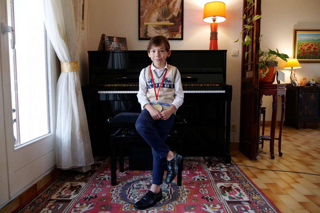 Meet the six-year-old pianist who plays Rachmaninoff