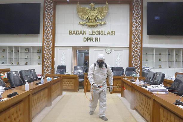 House building in Jakarta on lockdown as dozens test positive for coronavirus